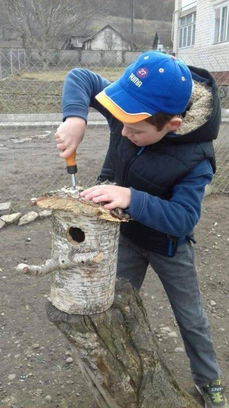 """""""Взимку до нас прилітали дві синички, їм було важко знайти їжу"""": 11-річний школяр з Тернопільщини самотужки майструє """"будиночки"""" для птахів..., фото-2"""