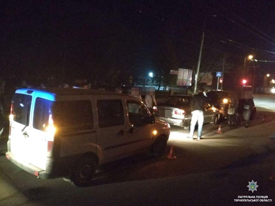 У Тернополі 24-річний п'яний водій спричинив потрійну ДТП (ФОТО), фото-2