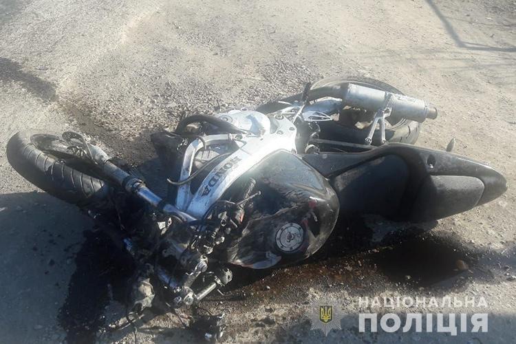 Тернопільські правоохоронці знайшли мотоцикліста, який  втік з місця аварії: його пасажирка в реанімації (ФОТО) , фото-2