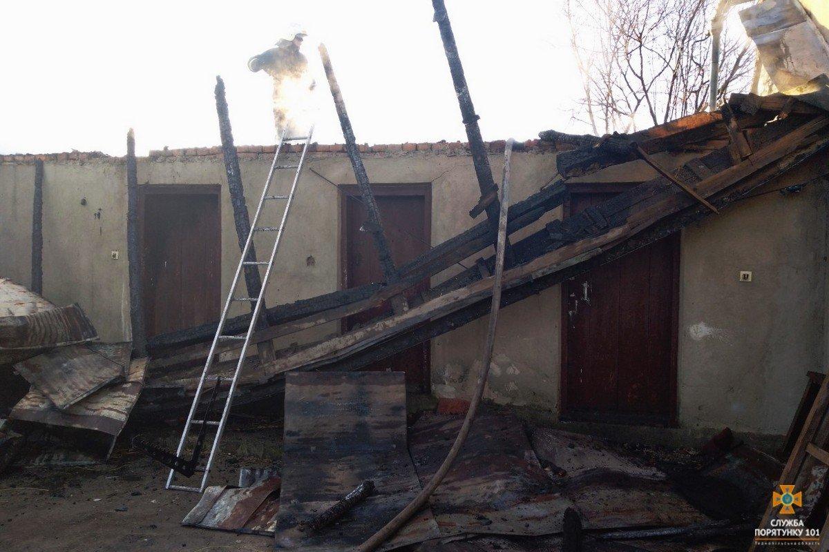 В Тернопільській області за добу загорілось п'ять будинків, під час однієї з пожеж рятувальники виявили тіло власника (ФОТО), фото-1