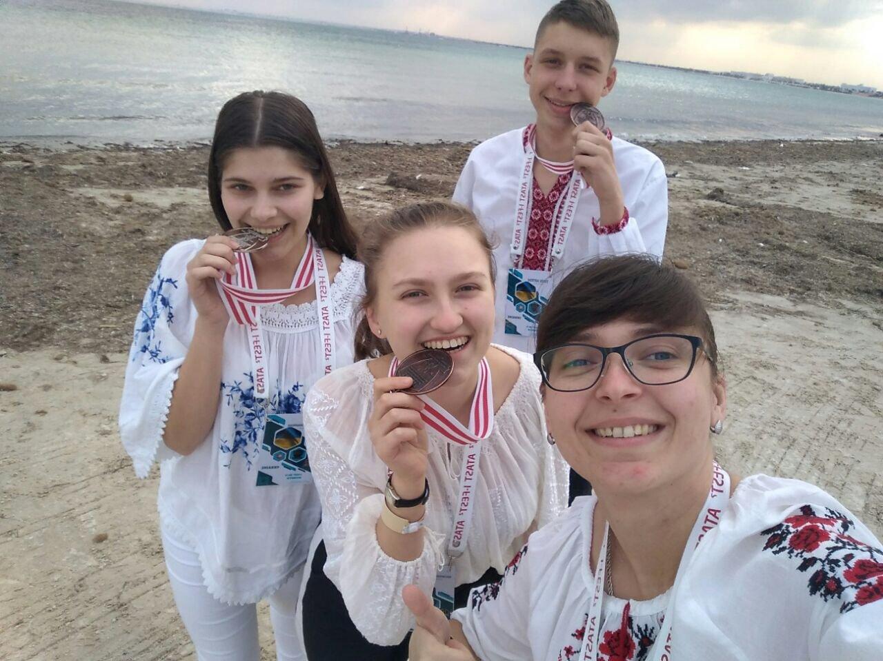 В Тунісі тернопільська школярка за свою наукову роботу отримала бронзову медаль (ФОТО), фото-3