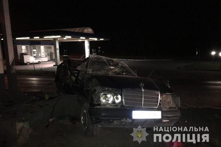 Смертельна аварія у Тернополі: перекинувся легковик, загинула жінка (ФОТО), фото-1
