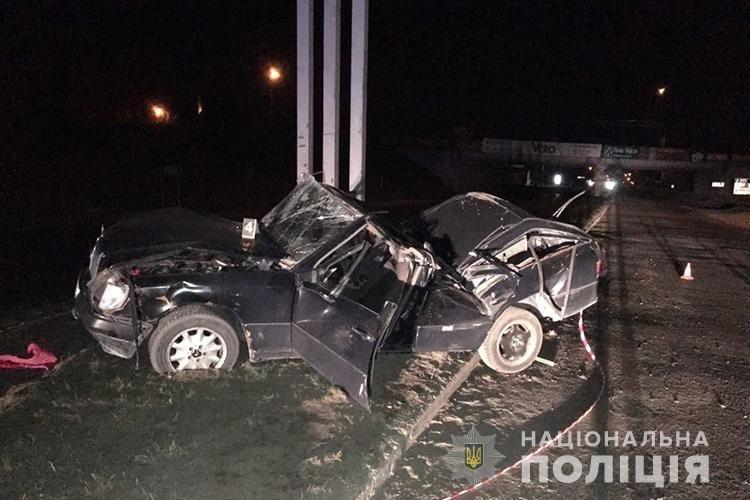 Смертельна аварія у Тернополі: перекинувся легковик, загинула жінка (ФОТО), фото-2