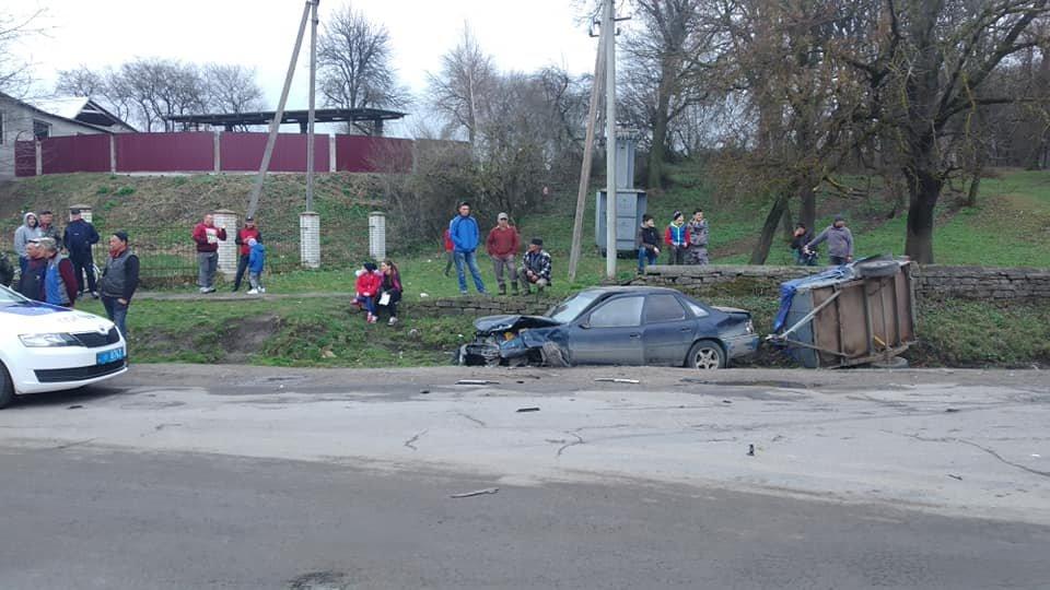 На Тернопільщині трапилась аварія, одна з автівок разом з причепом вилетіла у кювет (ФОТО), фото-6
