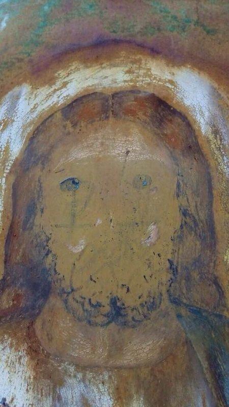 Помалювали ікони та хотіли скинути хрест: на Тернопільщині вандали осквернили храм Святої Трійці (Фото), фото-6