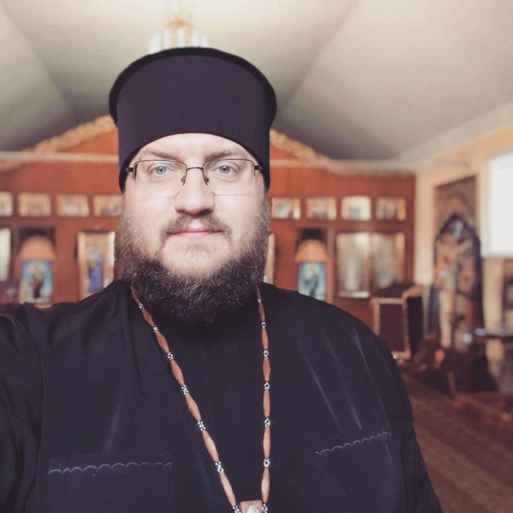 """""""Просимо молитов за здоров'я"""": відомий тернопільський священик Євген Заплетнюк опинився в реанімації (ФОТО), фото-1"""