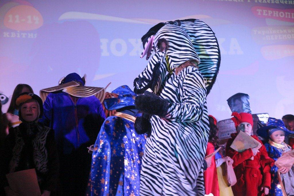 """""""Очі розбігалися від краси костюмів"""": у Тернополі відбувся фестиваль """"КіноХвилька"""" (ФОТО), фото-8"""