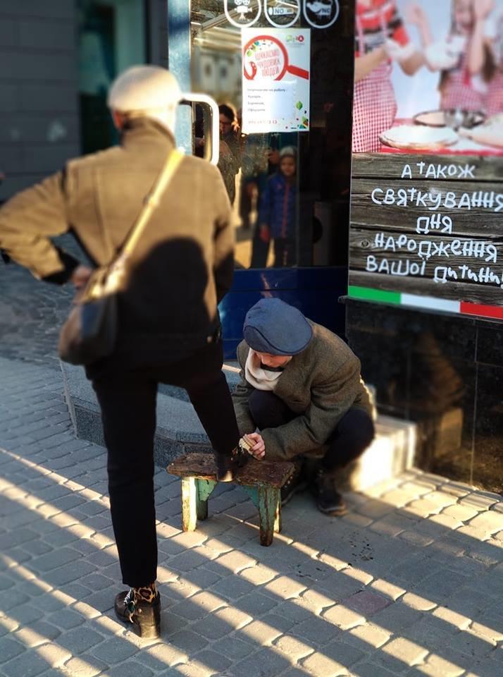 Вершник на коні, бійці з гвинтівками: що робилося вчора на вулицях Тернополя (Фото, відео), фото-8