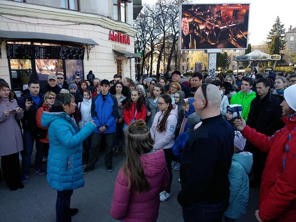 Вершник на коні, бійці з гвинтівками: що робилося вчора на вулицях Тернополя (Фото, відео), фото-7