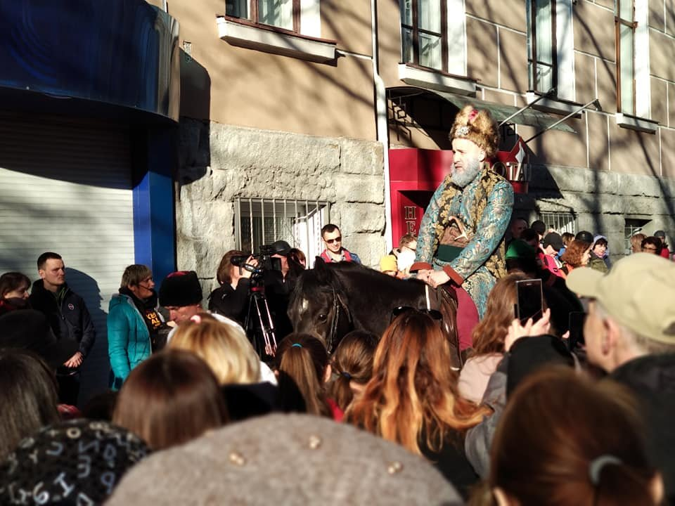 Вершник на коні, бійці з гвинтівками: що робилося вчора на вулицях Тернополя (Фото, відео), фото-9
