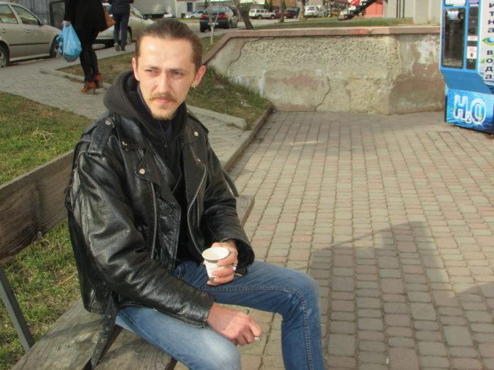 """""""Крадуть переважно продукти"""": після 9 місяців на війні тернопільський рокер пішов працювати продавцем (ФОТО), фото-4"""