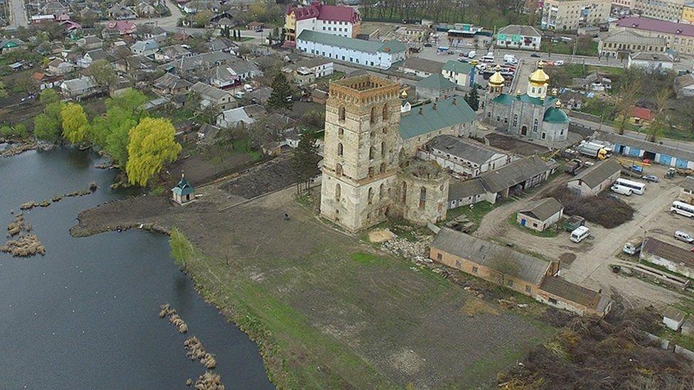 Згарище Собору Паризьзої Богоматері: на Тернопільщині також є три собори, яких ще можна врятувати (ФОТО), фото-3
