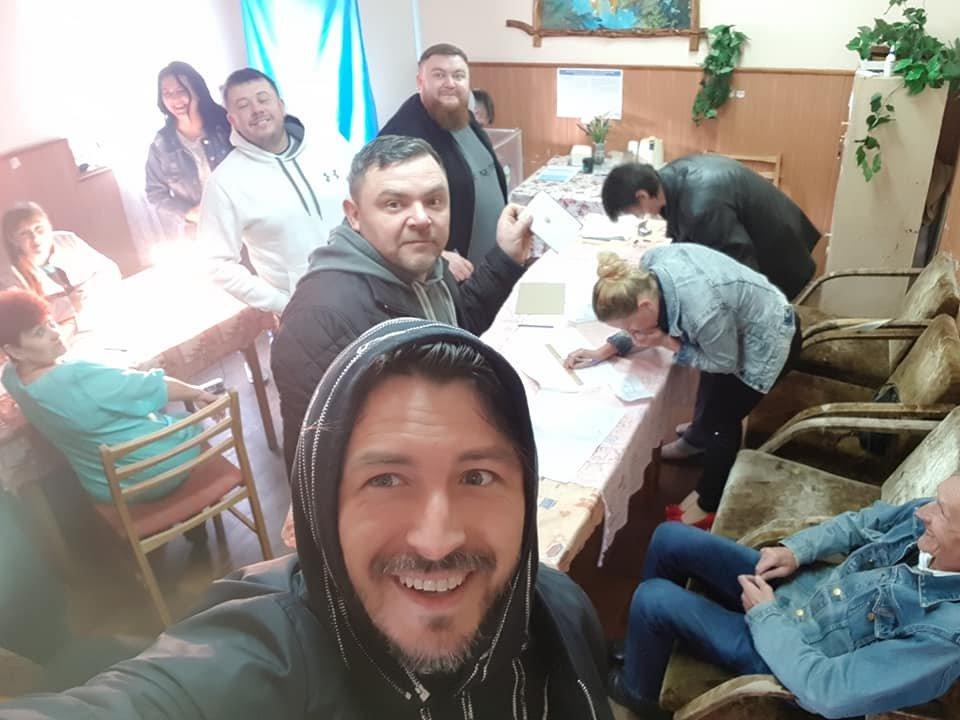 """""""Ноги в руки і на дільниці!"""": Сергій Притула відзвітував про своє голосування (ФОТО)   , фото-2"""