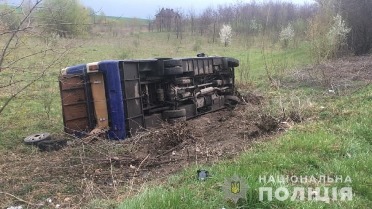 На Волині зіткнулись легківка та рейсовий автобус з Тернополя: є загиблі (Фото), фото-2