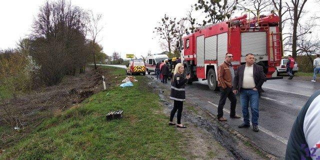 З'явилися подробиці жахливої ДТП за участю автобуса з Тернополя: загинуло троє людей, серед яких дитина (ФОТО), фото-3