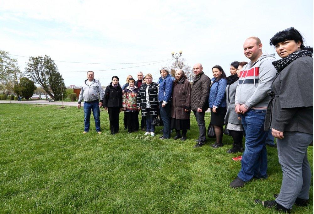 У Тернополі висадили 30 унікальних тюльпанових дерев (фото), фото-1