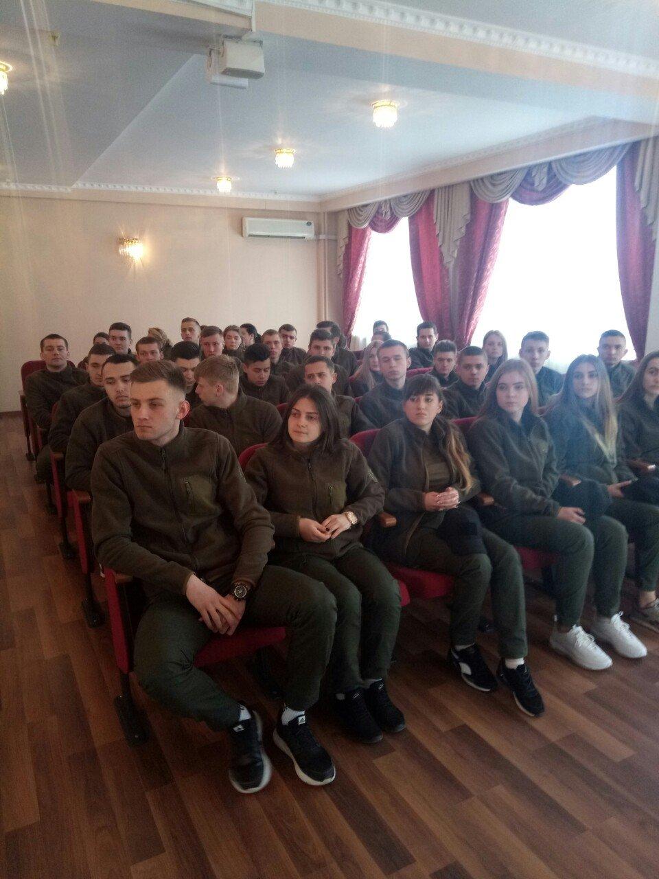 Молодь ЮФ зустрілася з представниками Головного управління Національної поліції в Тернопільській області, фото-1