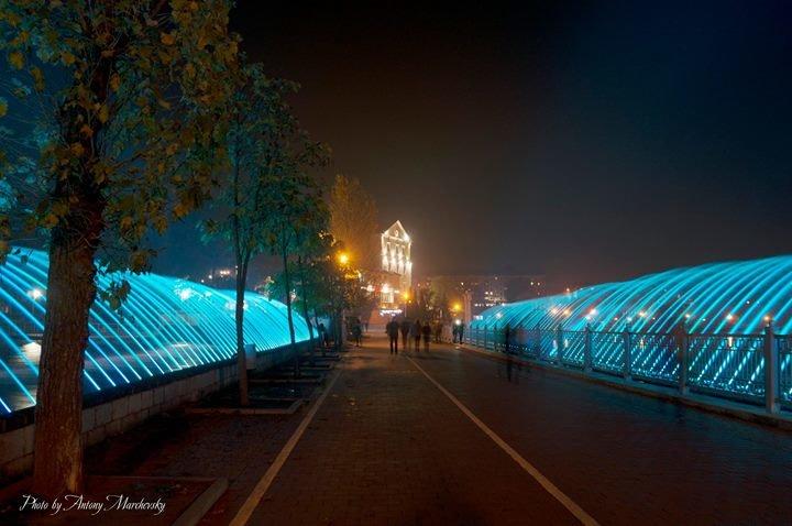 Сьогодні у Тернополі запрацював найдовший в Україні фонтан (ФОТО), фото-1
