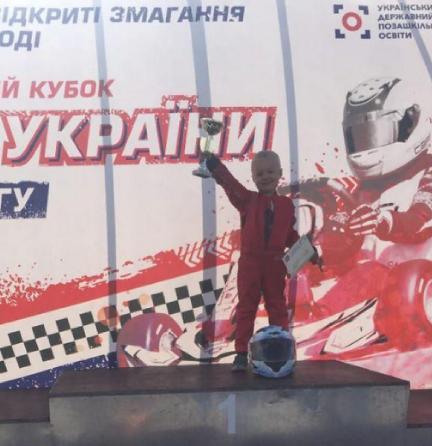 5-річний хлопчик з Тернопільщини їздить зі швидкістю 60 кілометрів на годину (ФОТО+ВІДЕО), фото-1