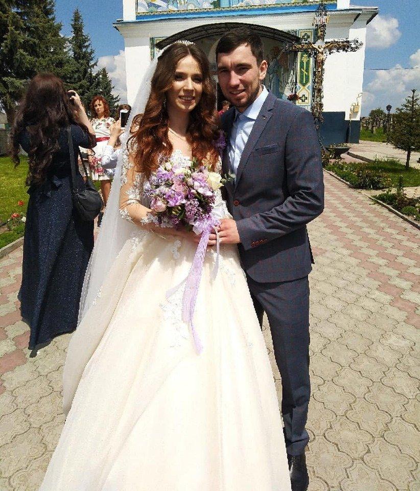 Вчора у Тернополі біатлоністка Марія Кручова одружилася з російським чемпіоном Логіновим (ФОТО), фото-1