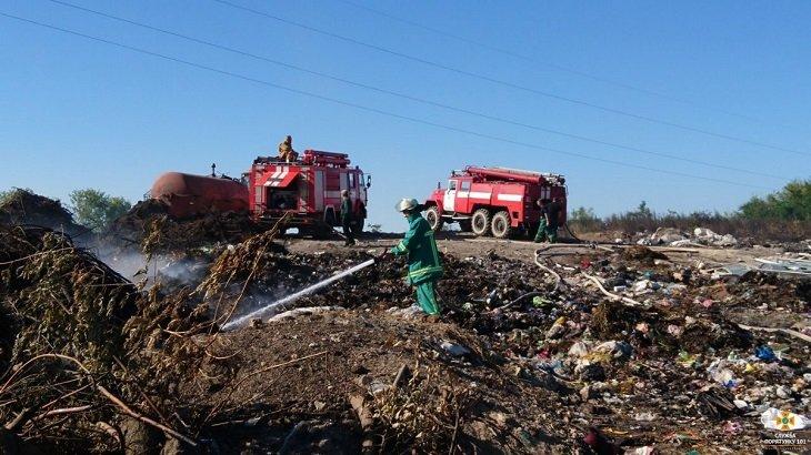Масштабна пожежа на сміттєзвалищі в Тернопільській області: загорілось понад 3 га відходів (ВІДЕО), фото-3