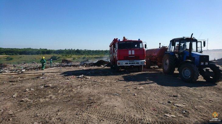 Масштабна пожежа на сміттєзвалищі в Тернопільській області: загорілось понад 3 га відходів (ВІДЕО), фото-1