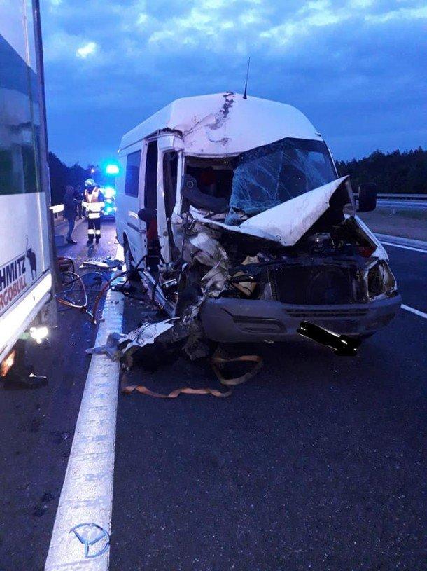 Мікроавтобус з тернопільською реєстрацією, що перевозив заробітчан, потрапив в смертельну ДТП в Польщі: загинула молода дівчина (ФОТО), фото-5
