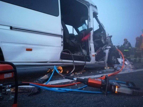 Мікроавтобус з тернопільською реєстрацією, що перевозив заробітчан, потрапив в смертельну ДТП в Польщі: загинула молода дівчина (ФОТО), фото-7