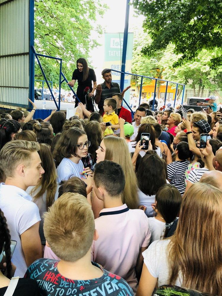На зустрічі з кандидатом в депутати у 167-му окрузі Володимиром Гевком і його командою приходять тисячі краян (Фоторепортаж, відео) , фото-4