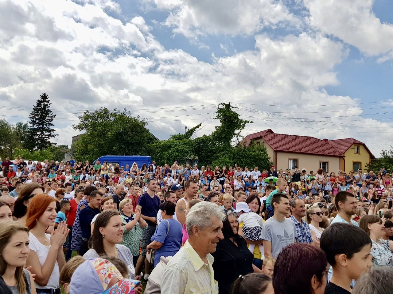 На зустрічі з кандидатом в депутати у 167-му окрузі Володимиром Гевком і його командою приходять тисячі краян (Фоторепортаж, відео) , фото-19