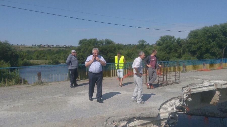 Пообіцяв - зробив! Володимир Іванишин домігся відновлення ремонту мосту у Лисівцях, фото-1