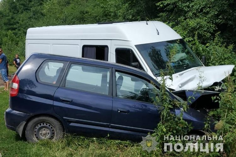 На Тернопільщині лоб в лоб зіткнулося два автомобілі: травмувались двоє дітей та їх мати (ФОТО), фото-2