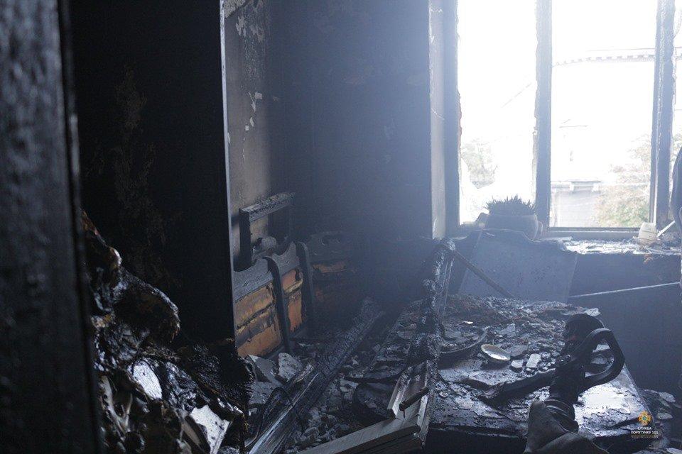 Рятувальники розповіли, як гасили пожежу, про яку говорить весь Тернопіль (ФОТО), фото-3