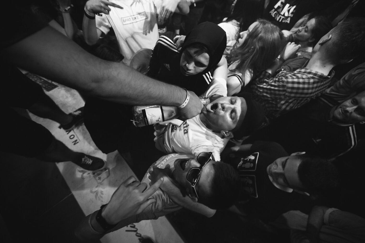 Пропозиція руки та серця, танці до світанку: нічне життя Novellina Beach Stage (фоторепортаж), фото-10
