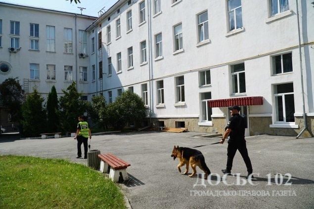"""У Тернополі """"замінували"""" відразу два університети (ФОТО), фото-2"""