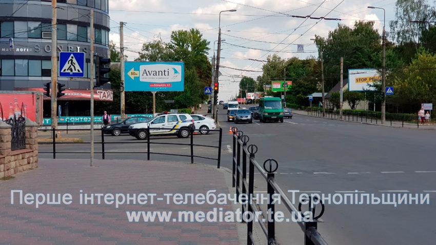 """ДТП у Тернополі: біля """"Обнови"""" зіткнулися """"Ford Focus"""" та вантажівка """"Mercedes"""" (ФОТО), фото-5"""