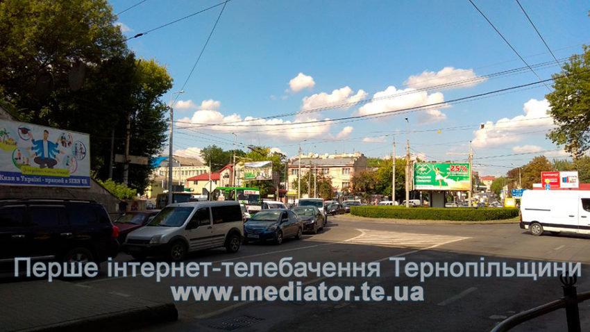 """У Тернополі через """"експериментальне кільце"""" у тролейбусів від контактних ліній від'єднуються """"роги"""" (ФОТО+ВІДЕО), фото-3"""