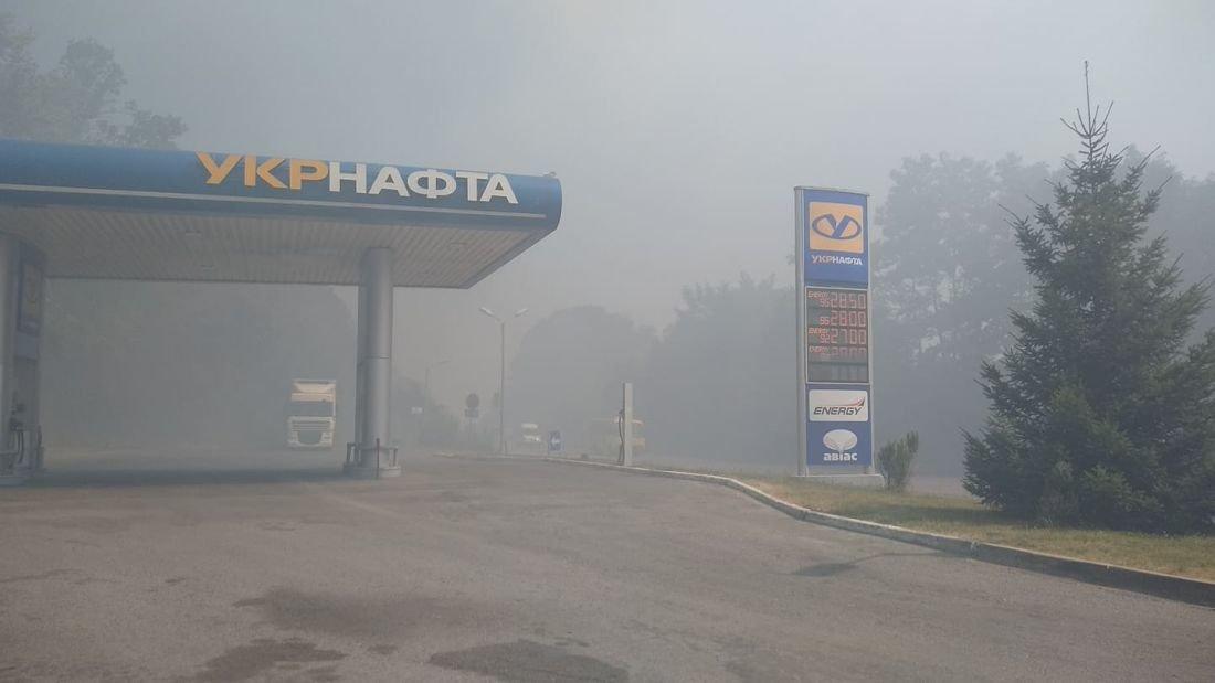 """""""Тернопільщина у вогні"""": через підпал стерні ледь не згоріла автозаправка (ФОТО), фото-1"""