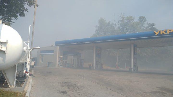 """""""Тернопільщина у вогні"""": через підпал стерні ледь не згоріла автозаправка (ФОТО), фото-4"""
