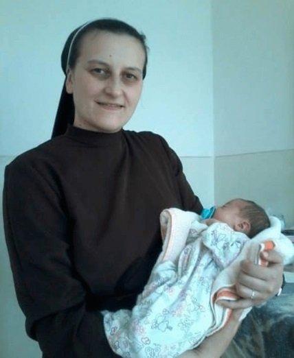 На Тернопільщині монахиня стала матір'ю для 9 дітей (ФОТО), фото-2
