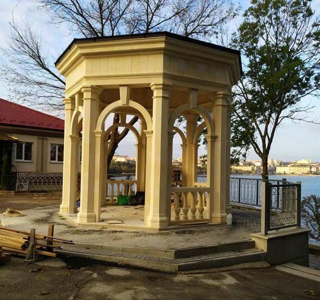 Стала не гірша, ніж була: реконструкція альтанки поблизу озера у Тернополя - завершилась (ФОТОФАКТ), фото-2