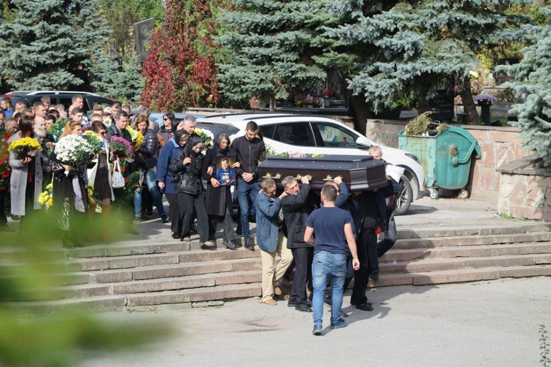 У Тернополі поховали депутата і громадського діяча Олександра Башту (ФОТО), фото-1