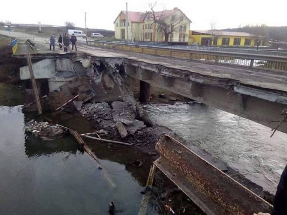"""На Тернопільщині замінюють міст, який """"добили"""" фури (ФОТО), фото-1"""