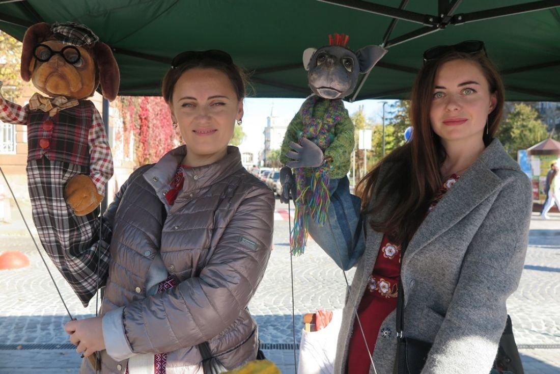 Барвисто і творчо: на головній площі Тернополя розважалися на «Культурних пікніках» (ФОТОФАКТ), фото-2