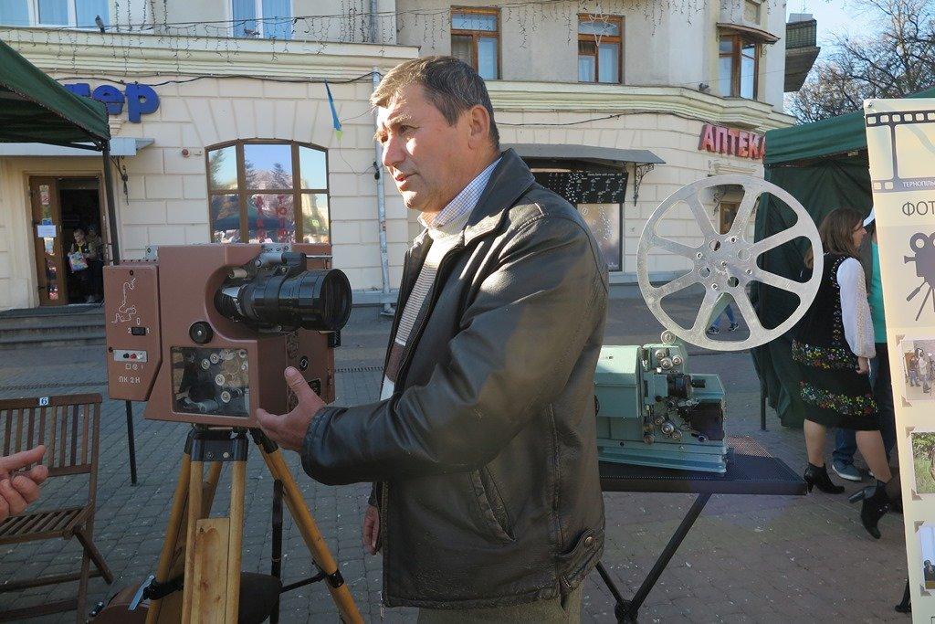 Барвисто і творчо: на головній площі Тернополя розважалися на «Культурних пікніках» (ФОТОФАКТ), фото-3