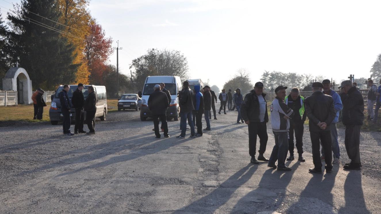 На Тернопільщині люди вдруге перекривали дорогу   (ФОТО), фото-1