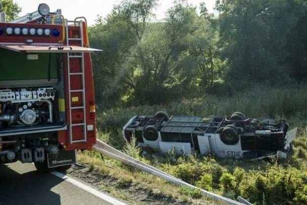 """""""10 постраждалих"""": в Угорщині розбився мікроавтобус з українцями (ФОТО), фото-1"""