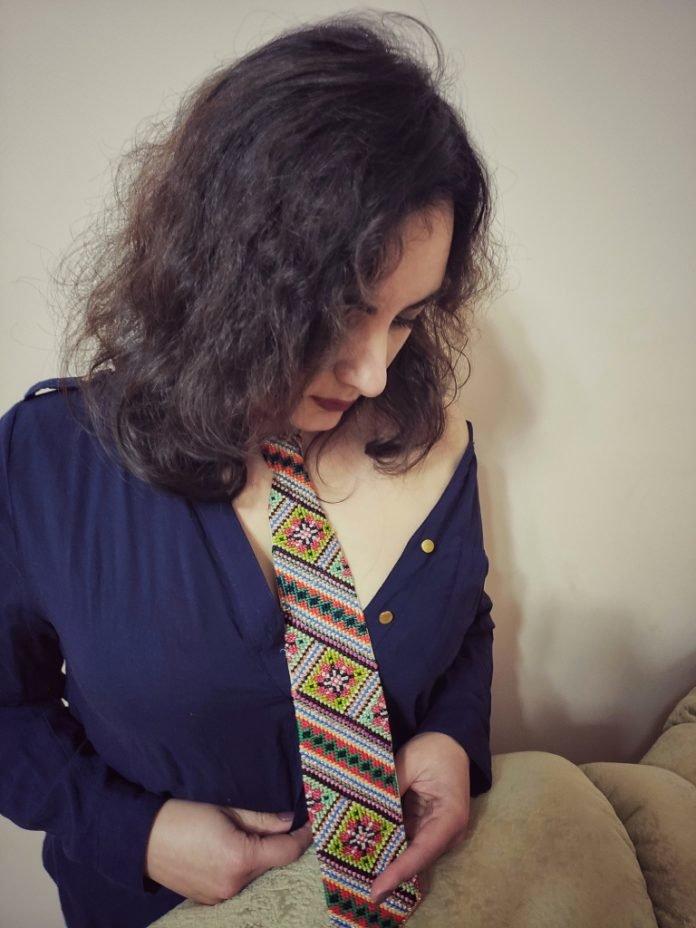 Юна тернополянка носить краватку, якій 122 роки (ФОТО), фото-1