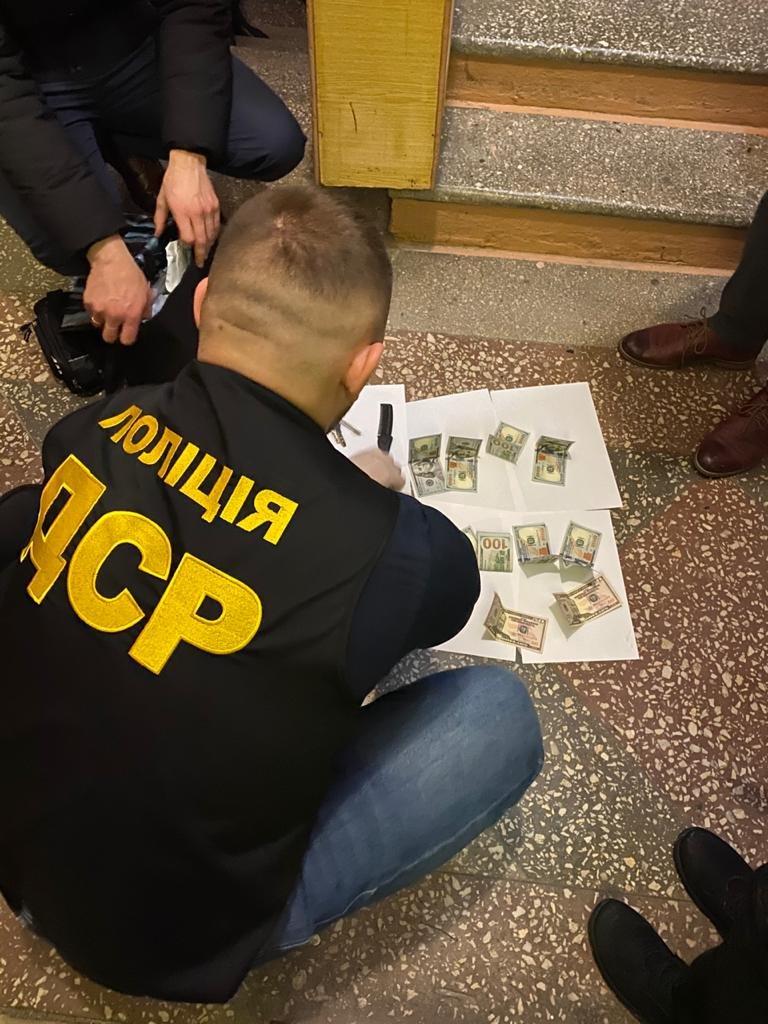 """Результат пошуку зображень за запитом """"На Тернопільщині затримали одного з керівників РДА, який вимагав понад 4 тис. доларів (ФОТО)"""""""