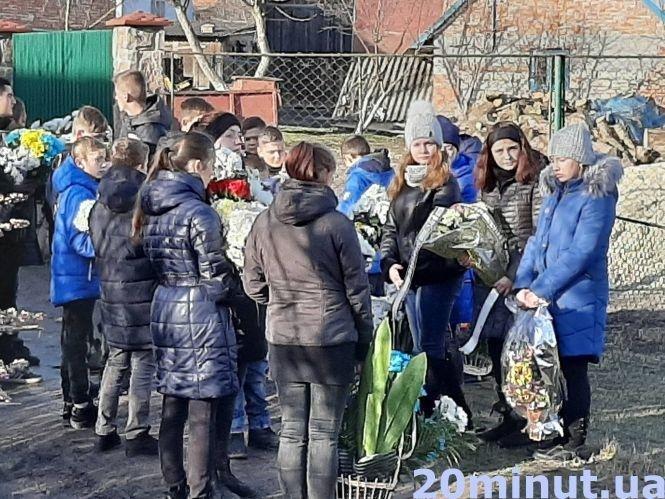 """""""Це горе для всіх нас"""": на Тернопільщині похоронили 15-річного Віктора Груб'яка (ФОТО), фото-3"""